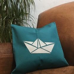 Boat – Coussin responsable en tissu et cuir recyclés